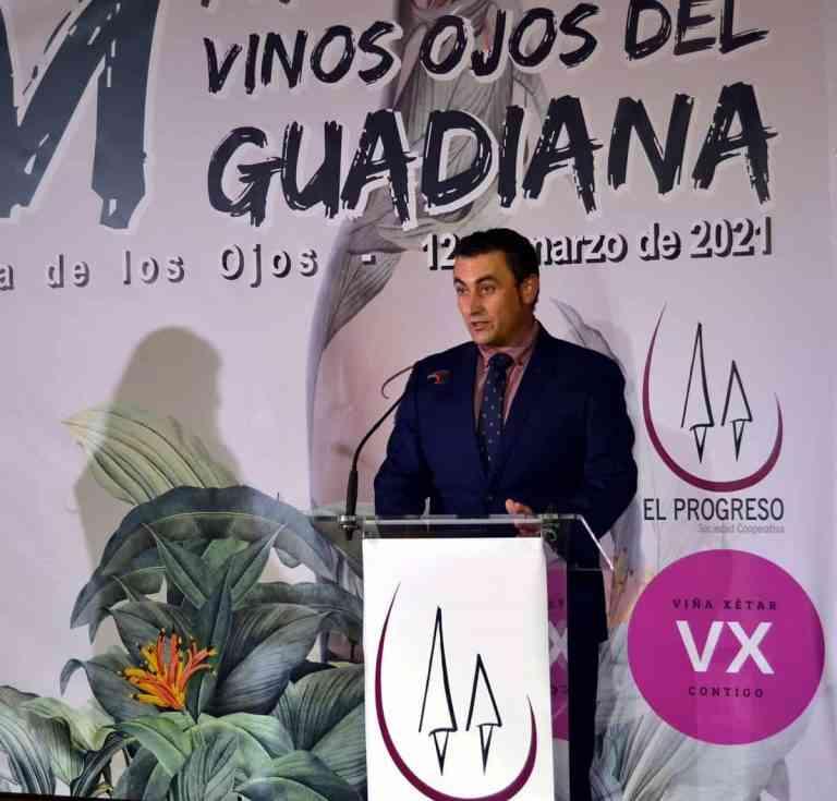 """Satisfacción por el reciente Bacchus de plata para el """"Ojos del Guadiana Chardonay"""", en El Progreso de Villarrubia de los Ojos"""